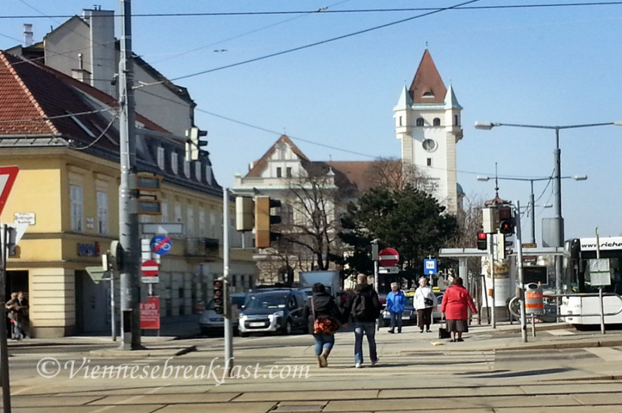 Ta wieża to nie kościół, a Magistrat 13 i 14 dzielnicy