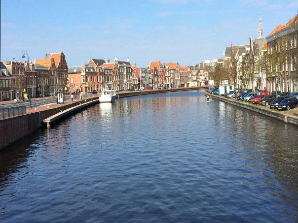 Rzeka Spaarne w Haarlemie. Zdjęcie Anna Maria Boland