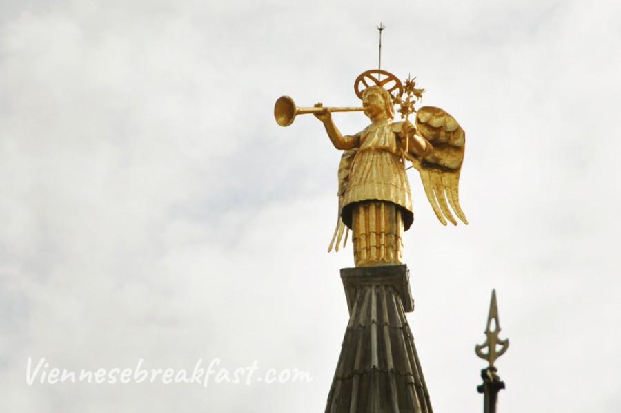 bazylika-Antoniego-Padwa-aniol