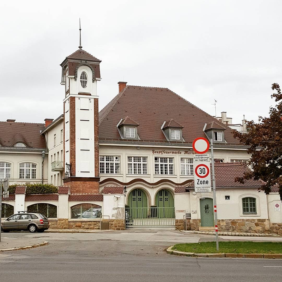 W tym budynku znajdziecie stra poarn w Wiedniu wien wiedenhellip